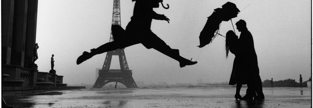 cropped-elliott_erwitt_france_paris_1989_tour_eiffel_100th_anniversary_03-12.jpg
